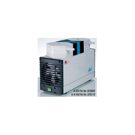 N-820 típusú 20 liter / perces, 8 mBar végvákuumú membrán vákuumpumpa