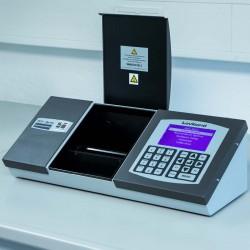 Lovibond PFXi-880/S típusú színmérő (fűtéssel) cukoroldatok, szirupok és méz méréséhez